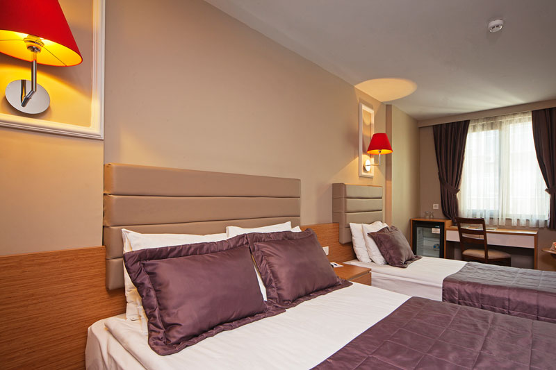 all-seasons-hotel-istanbul-luxery-hotel-best-price-hotel-standart-trible-rooms (8)