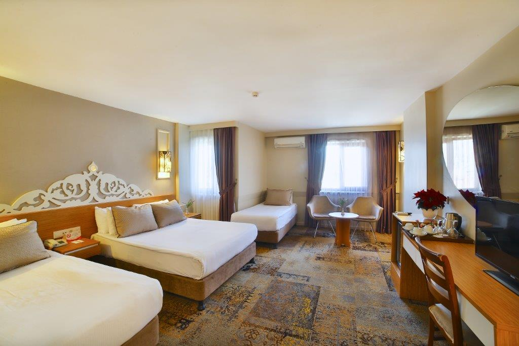 All Seasons Hotel Family Room5M1A3031