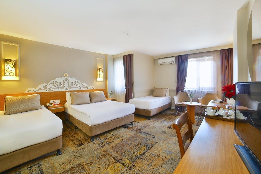 All Seasons Hotel Family Room5M1A3043