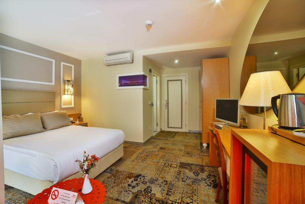 All Seasons Hotel French Room 5M1A4683