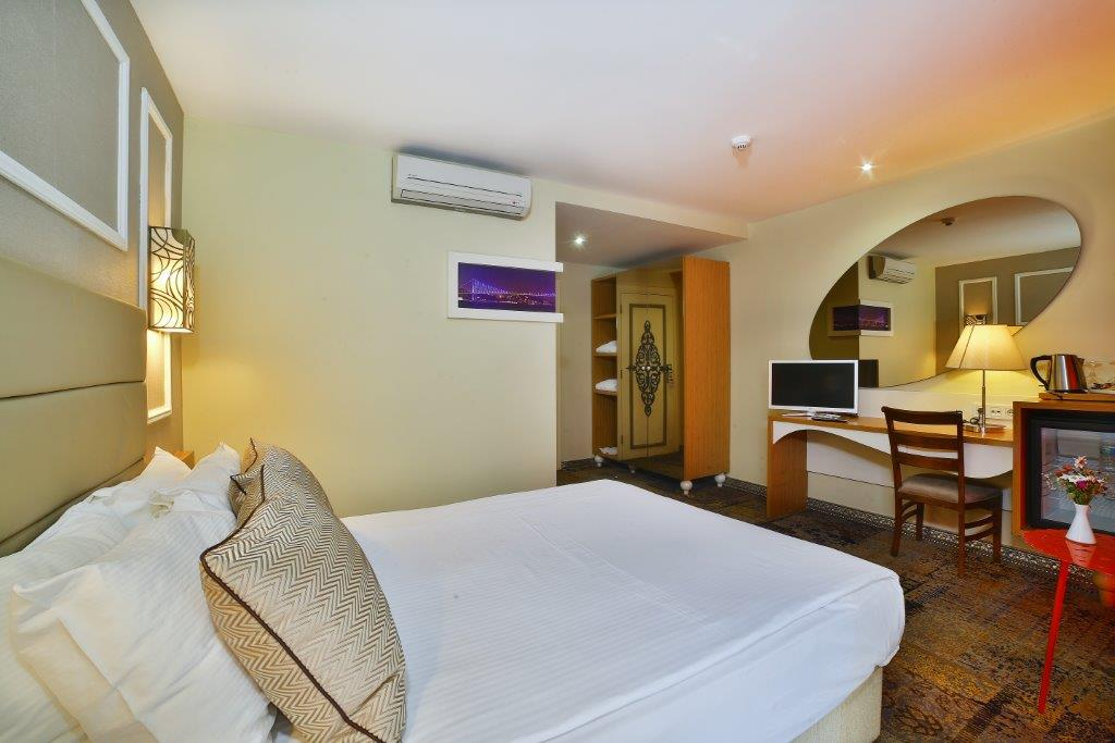 All Seasons Hotel French Room5M1A4687