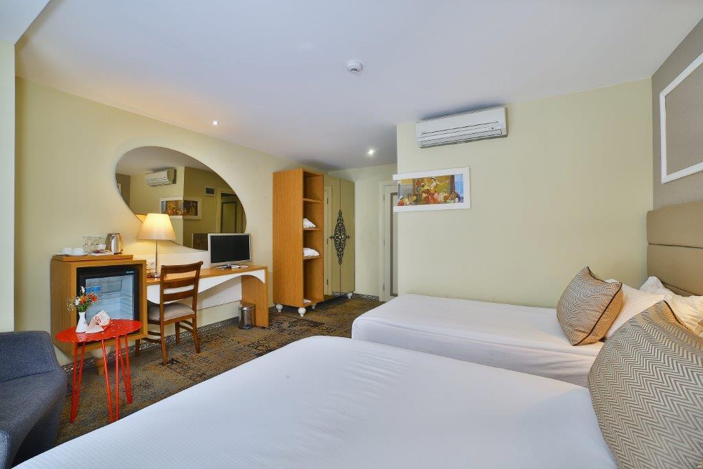 All Seasons Hotel Triple Room5M1A4671